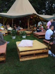 Beer Garden Taste of Sydney Chill Photo Pallet Bed